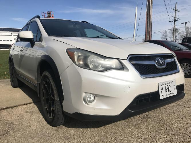 2013 Crystal White Met Subaru XV Crosstrek 2.0 Limited (JF2GPACC4DH) with an 2.0L L4 DOHC 16V engine, 5-Speed Manual transmission, located at 1800 South Ihm Blvd, Freeport, IL, 61032, (815) 232-5543, 42.278645, -89.607994 - Photo #0