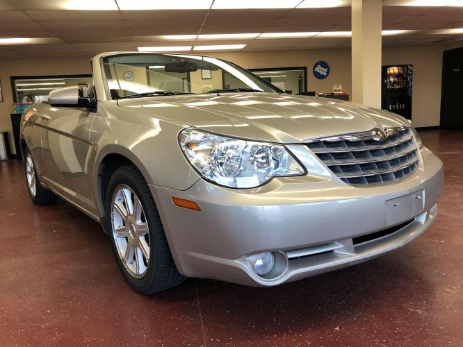2008 Light Almond Met Chrysler Sebring Convertible Touring (1C3LC55R18N) with an 2.7L V6 DOHC 24V FFV engine, 4-Speed Automatic Overdrive transmission, located at 1800 South Ihm Blvd, Freeport, IL, 61032, (815) 232-5543, 42.278645, -89.607994 - Photo #0