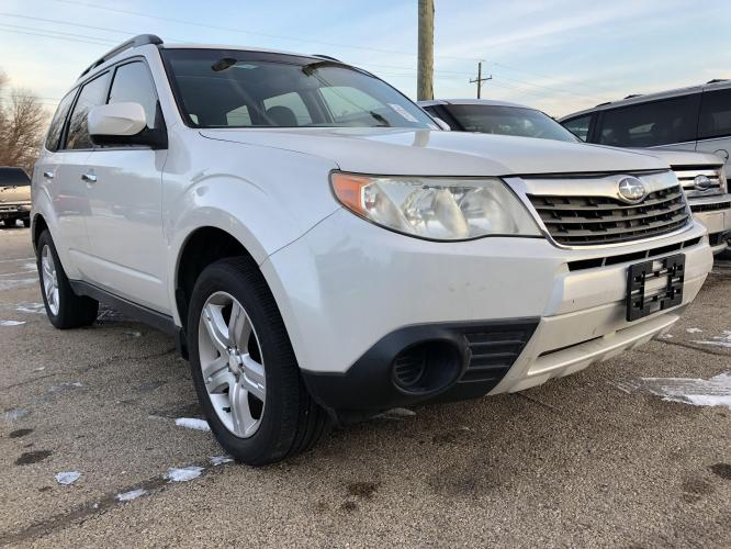 2010 Crystal White Met Subaru Forester 2.5X Premium (JF2SH6CC0AH) with an 2.5L H4 SOHC 16V engine, 4-Speed Automatic transmission, located at 1800 South Ihm Blvd, Freeport, IL, 61032, (815) 232-5543, 42.278645, -89.607994 - Photo #0