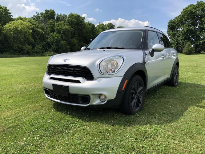 2012 Velvet Silver Mini Countryman S (WMWZC3C54CW) with an 1.6L L4 DOHC 16V TURBO engine, located at 1800 South Ihm Blvd, Freeport, IL, 61032, (815) 232-5543, 42.278645, -89.607994 - Photo #0