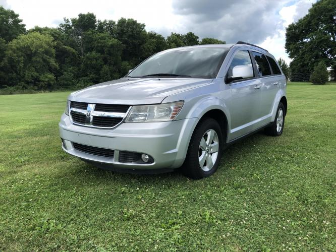 2010 Sebring Silver Met Dodge Journey SXT (3D4PG5FV3AT) with an 3.5L V6 SOHC 24V engine, 6-Speed Automatic transmission, located at 1800 South Ihm Blvd, Freeport, IL, 61032, (815) 232-5543, 42.278645, -89.607994 - Photo #0