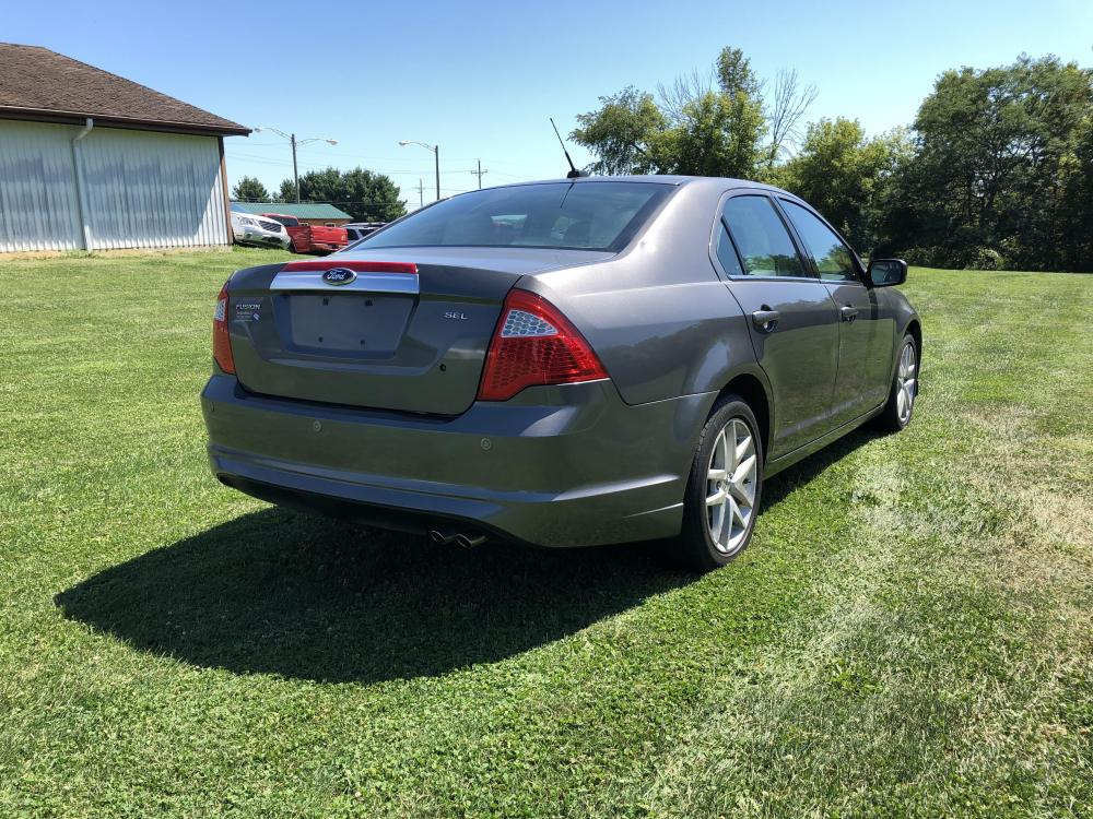 2012 Sterling Gray Met Ford Fusion SEL (3FAHP0JA1CR) with an 2.5L L4 DOHC 16V engine, located at 1800 South Ihm Blvd, Freeport, IL, 61032, (815) 232-5543, 42.278645, -89.607994 - Photo #2