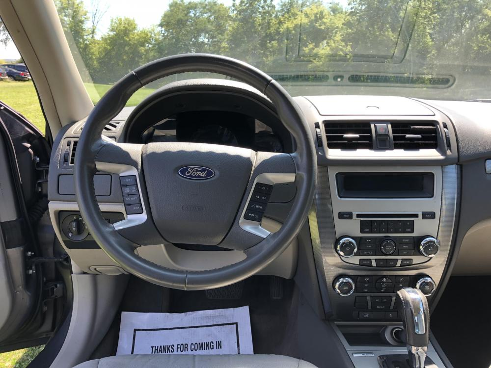 2012 Sterling Gray Met Ford Fusion SEL (3FAHP0JA1CR) with an 2.5L L4 DOHC 16V engine, located at 1800 South Ihm Blvd, Freeport, IL, 61032, (815) 232-5543, 42.278645, -89.607994 - Photo #6