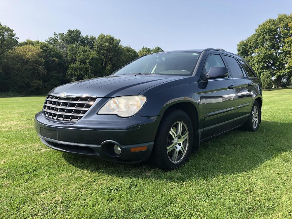 2008 Clearwater blue met Chrysler Pacifica Touring FWD (2A8GF68X58R) with an 4.0L V6 SOHC 24V engine, 6-Speed Automatic Overdrive transmission, located at 1800 South Ihm Blvd, Freeport, IL, 61032, (815) 232-5543, 42.278645, -89.607994 - Photo #0