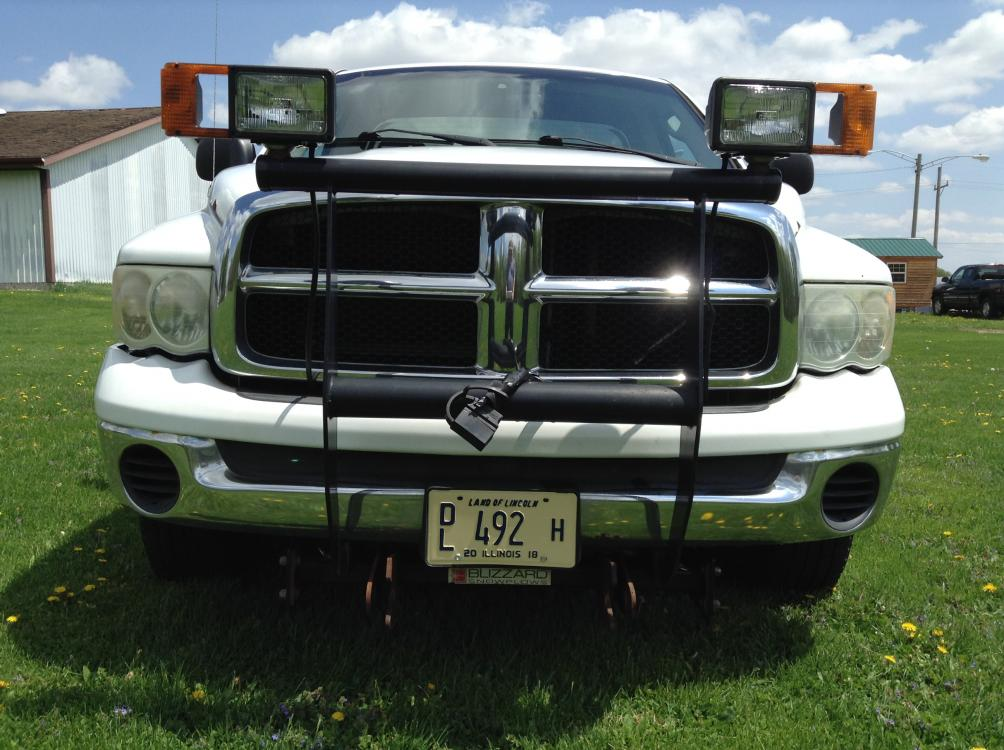 2004 Arctic White Dodge Ram 1500 Laramie 4WD (1D7HU16D04J) with an 5.7L V8 OHV 16V engine, 5-Speed Automatic Overdrive transmission, located at 1800 South Ihm Blvd, Freeport, IL, 61032, (815) 232-5543, 42.278645, -89.607994 - Photo #1