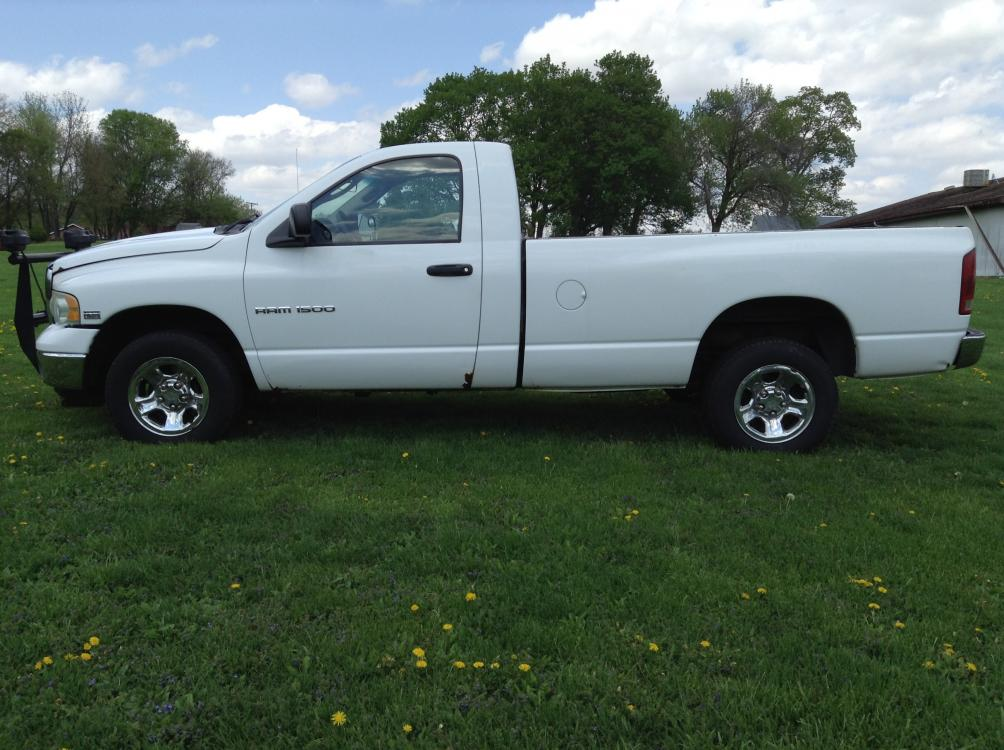 2004 Arctic White Dodge Ram 1500 Laramie 4WD (1D7HU16D04J) with an 5.7L V8 OHV 16V engine, 5-Speed Automatic Overdrive transmission, located at 1800 South Ihm Blvd, Freeport, IL, 61032, (815) 232-5543, 42.278645, -89.607994 - Photo #7